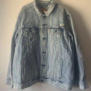 Levi's trucker Distressed denim jacket 3XL XXXL
